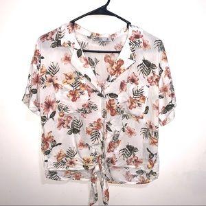 🌷5/$20 Juniors Hollister Floral Shirt